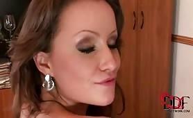 Lesbiennes perverses developpent leur fantasmes