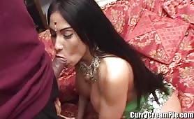 Une salope indienne est defoncee dur