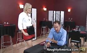 Video porno dans le restaurant