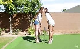 Position 69 occupée par deux lesbiennes